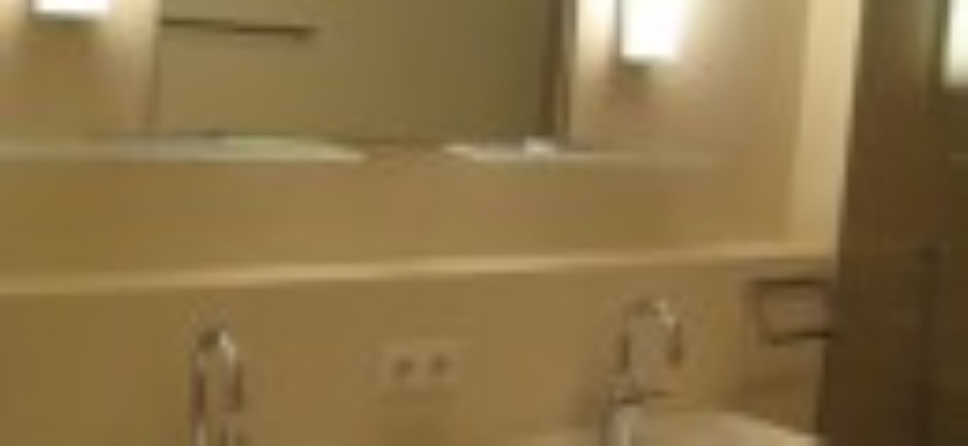 IMG_2828 badkamer 1 verkleind